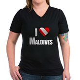 Scuba: I Love Maldives Women's V-Neck Dark T-Shirt